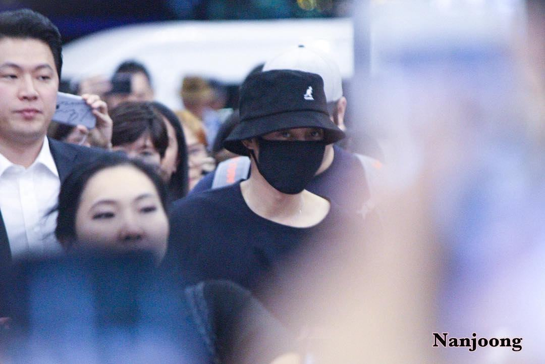 [HQ Photos+Fancam] Kim Hyun Joong at Suvarnabhumi Airport Departed to Korea [2018.04.08]