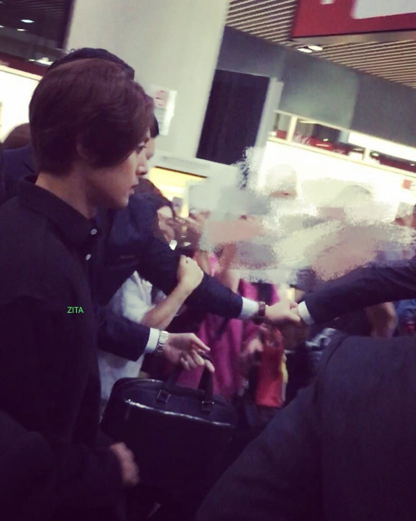 (KHJ in Macau airport 180503 (3
